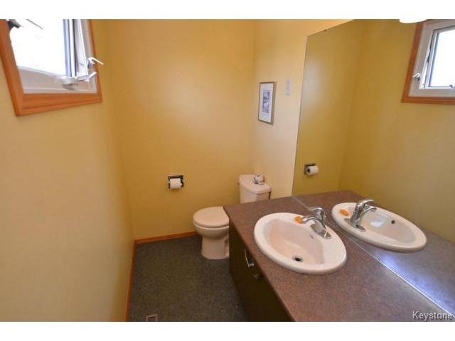 Photo 10: 251 Dussault Avenue in WINNIPEG: Windsor Park / Southdale / Island Lakes Residential for sale (South East Winnipeg)  : MLS(r) # 1409904