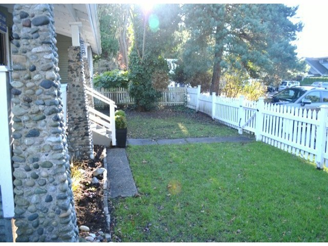 "Photo 3: 2694 MCBRIDE Avenue in Surrey: Crescent Bch Ocean Pk. House for sale in ""CRESCENT BEACH"" (South Surrey White Rock)  : MLS® # F1427486"