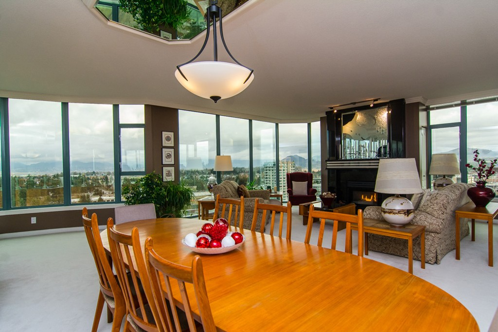 "Photo 8: 1601 32330 S FRASER Way in Abbotsford: Abbotsford West Condo for sale in ""Town Centre Tower"" : MLS® # F1430127"
