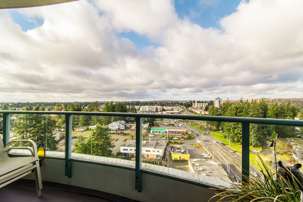 "Photo 33: 1601 32330 S FRASER Way in Abbotsford: Abbotsford West Condo for sale in ""Town Centre Tower"" : MLS® # F1430127"