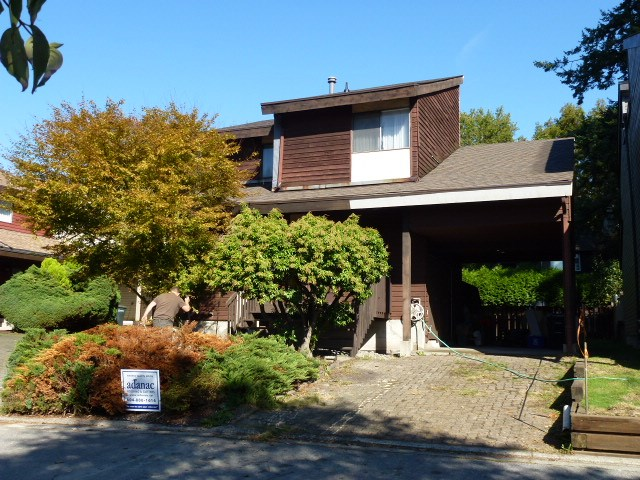 Main Photo: 1777 PEPPERIDGE Court in Burnaby: Simon Fraser Univer. House for sale (Burnaby North)  : MLS®# R2003922