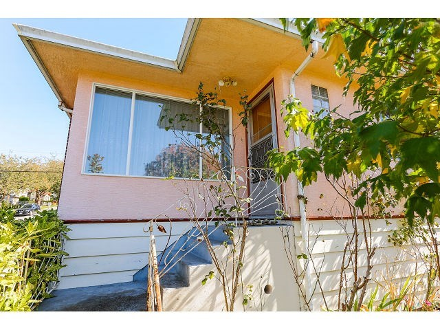 Main Photo: 4412 NANAIMO Street in Vancouver: Collingwood VE House for sale (Vancouver East)  : MLS® # R2007186