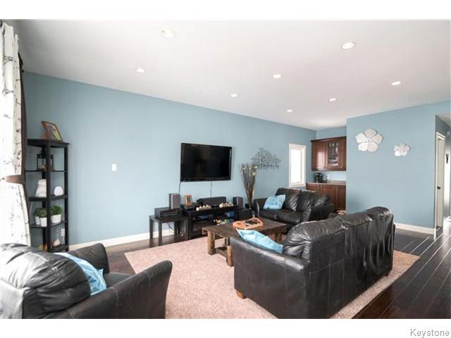 Photo 5: 79 VAN HORNE Road in St Clements: R02 Residential for sale : MLS(r) # 1612522