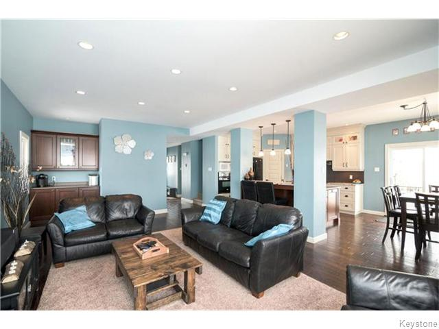 Photo 4: 79 VAN HORNE Road in St Clements: R02 Residential for sale : MLS(r) # 1612522