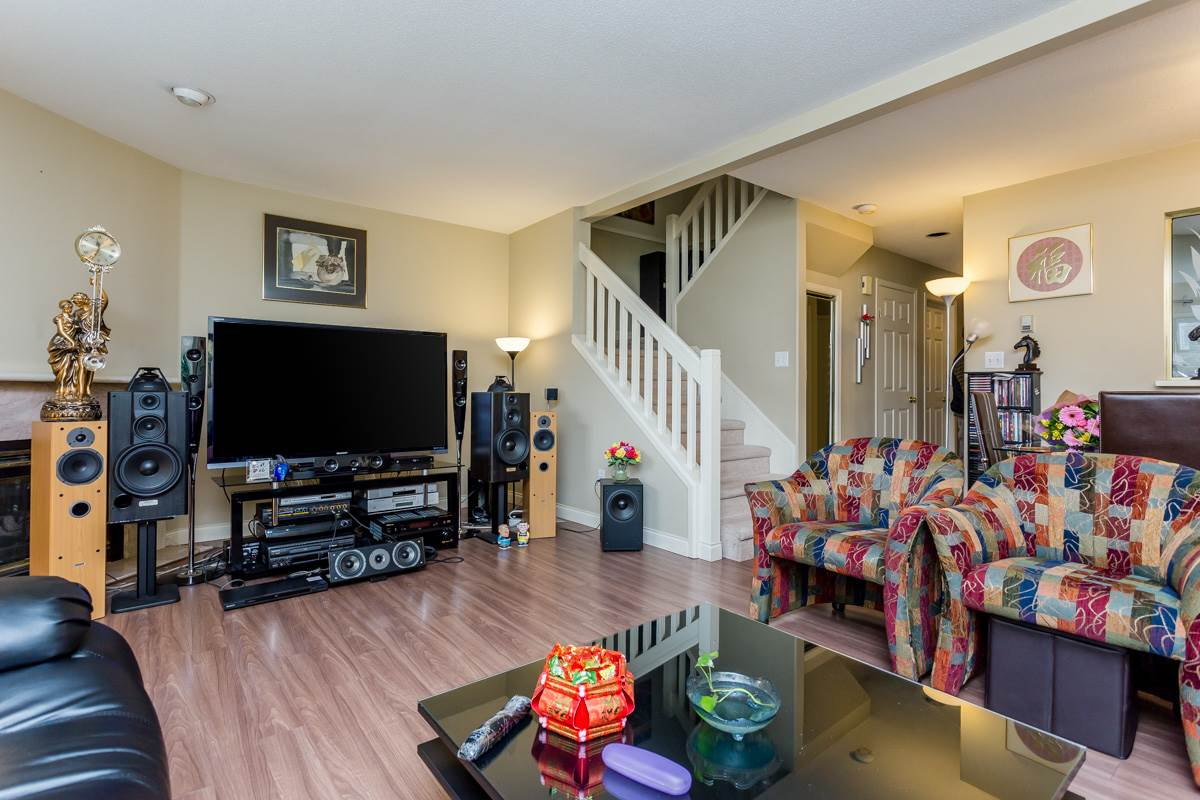 "Photo 10: 2 10080 KILBY Drive in Richmond: West Cambie Townhouse for sale in ""Savoy Gardens"" : MLS® # R2084135"