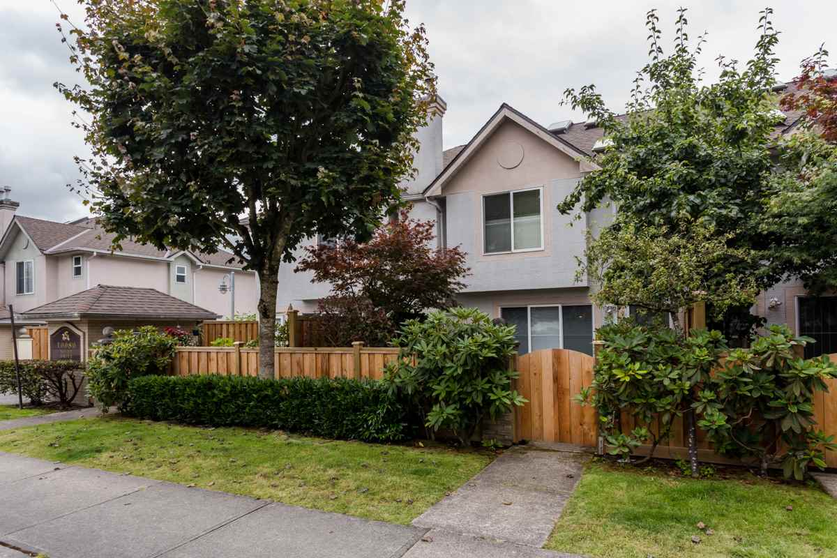 "Photo 3: 2 10080 KILBY Drive in Richmond: West Cambie Townhouse for sale in ""Savoy Gardens"" : MLS® # R2084135"