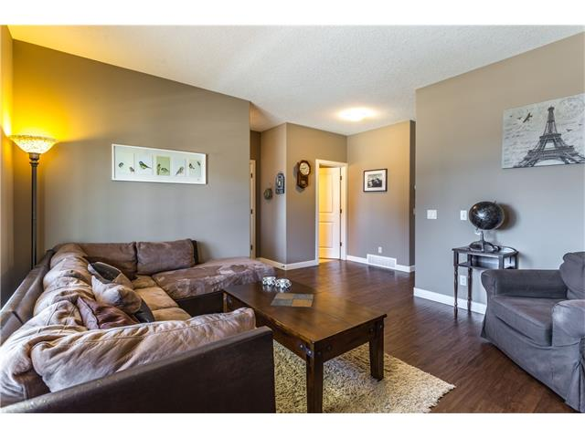 Photo 4: 48 FIRESIDE BURROW: Cochrane House for sale : MLS(r) # C4106753