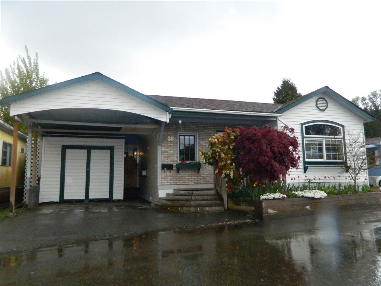 Main Photo: 36 201 CAYER Street in Coquitlam: Maillardville Manufactured Home for sale : MLS(r) # R2162685