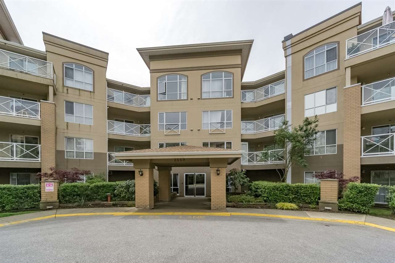 "Photo 3: 107 2559 PARKVIEW Lane in Port Coquitlam: Central Pt Coquitlam Condo for sale in ""THE CRESCENT ON REEVE CREEK"" : MLS® # R2169210"