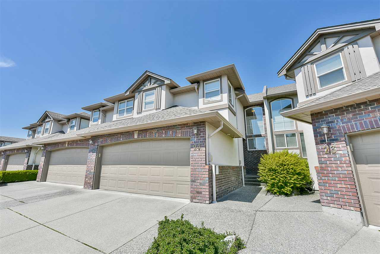"Main Photo: 24 2525 YALE Court in Abbotsford: Abbotsford East Townhouse for sale in ""Yale Court"" : MLS(r) # R2171251"