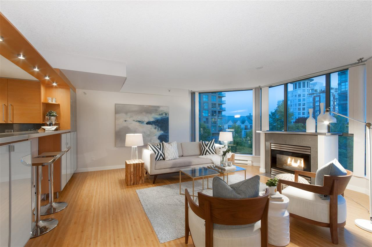 Main Photo: 604 1128 QUEBEC STREET in Vancouver: Mount Pleasant VE Condo for sale (Vancouver East)  : MLS®# R2171063