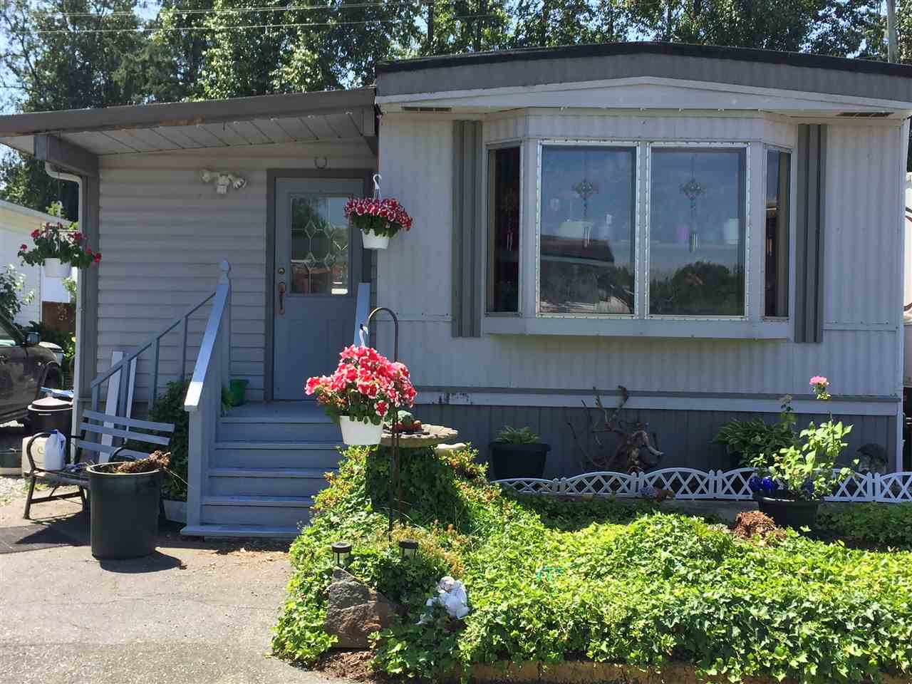 "Main Photo: 28 3300 HORN Street in Abbotsford: Central Abbotsford Manufactured Home for sale in ""Georgian Park"" : MLS® # R2188520"