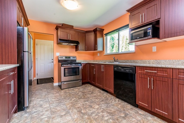 Photo 3: 34307 GLADYS Avenue in Abbotsford: Central Abbotsford House for sale : MLS® # R2191469