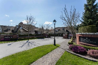 "Main Photo: 113 15500 ROSEMARY HEIGHTS Crescent in Surrey: Morgan Creek Townhouse for sale in ""THE CARRINGTON"" (South Surrey White Rock)  : MLS® # R2195448"