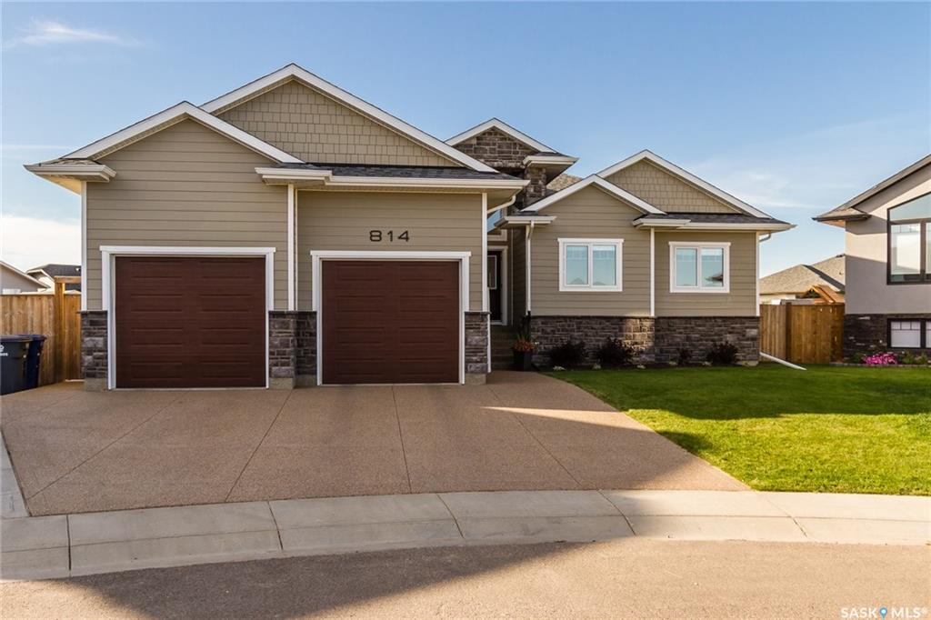Main Photo: 814 Davis Court in Warman: Residential for sale : MLS® # SK707926