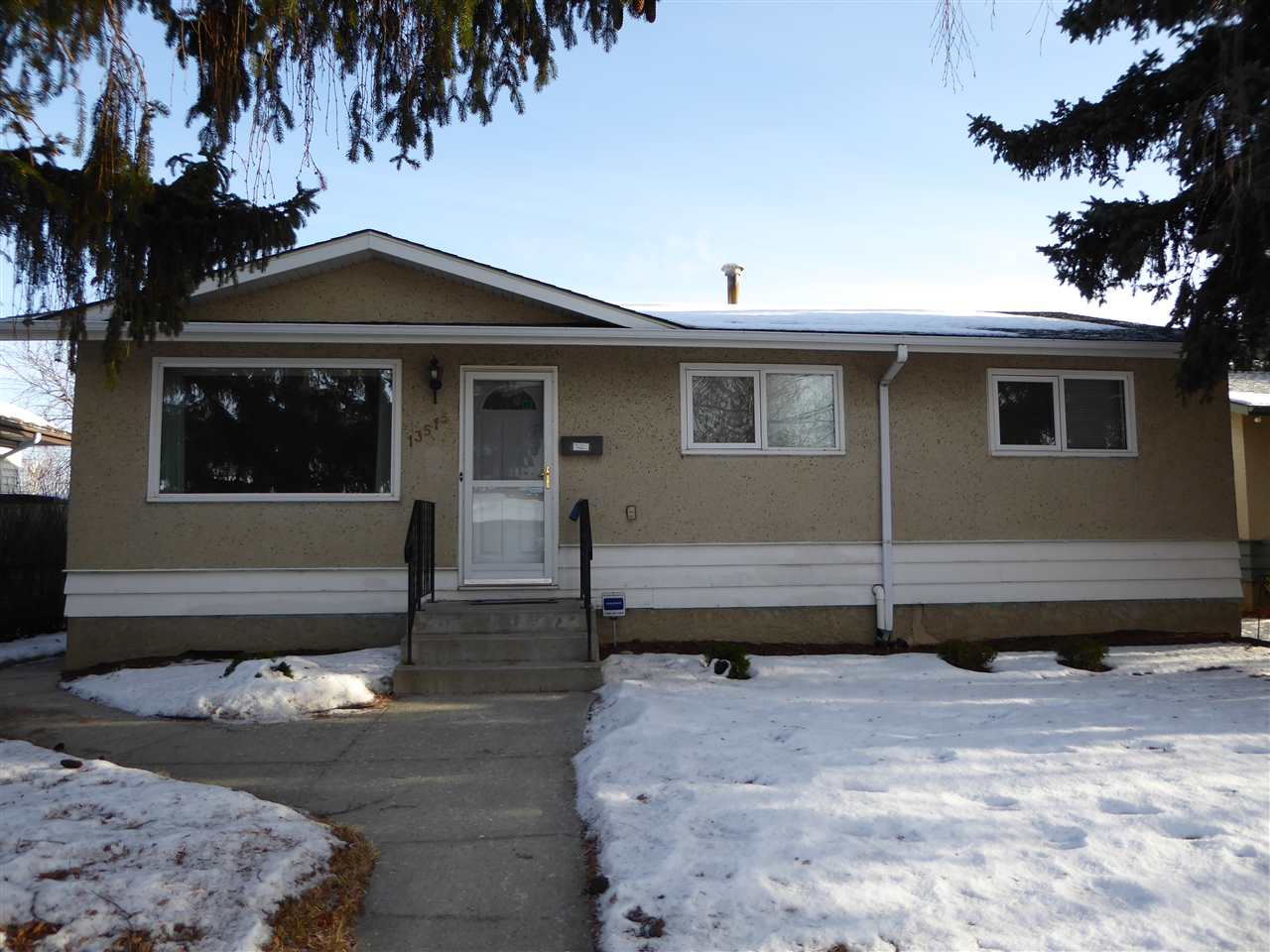 Main Photo: 13515 88 Street NW in Edmonton: Zone 02 House for sale : MLS® # E4090080