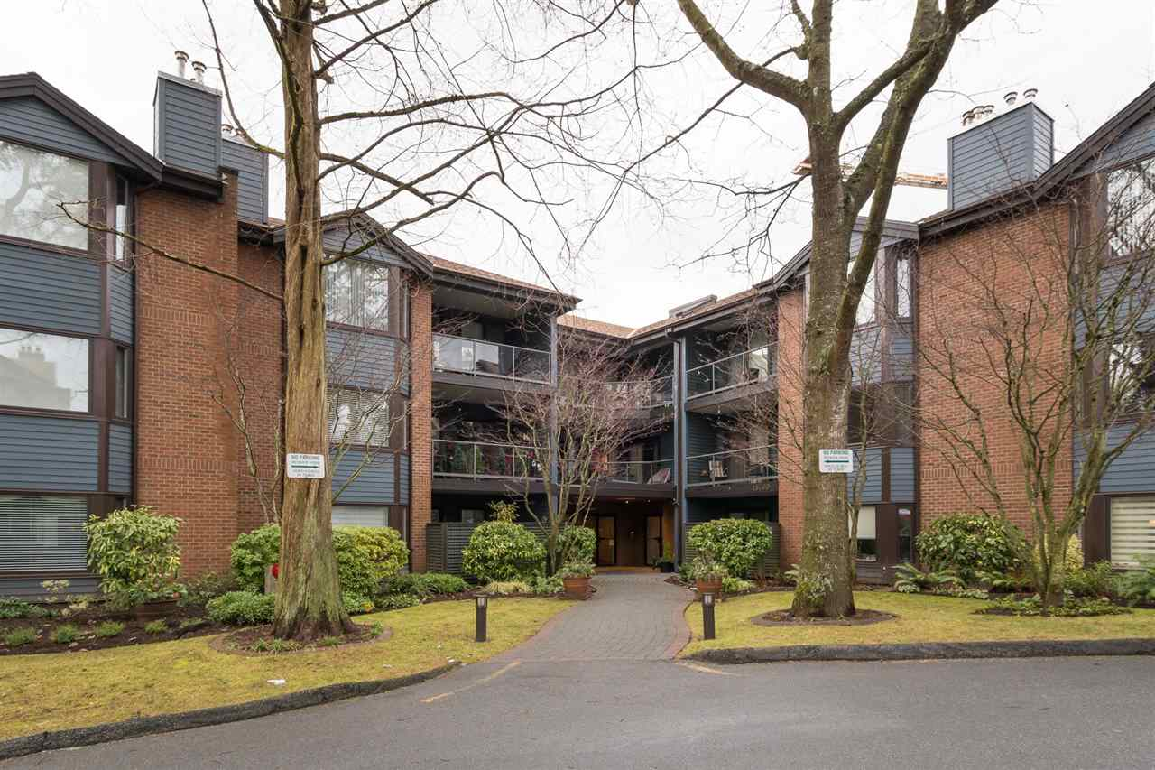 "Main Photo: 204 15300 17 Avenue in Surrey: King George Corridor Condo for sale in ""Cambridge II"" (South Surrey White Rock)  : MLS® # R2230221"