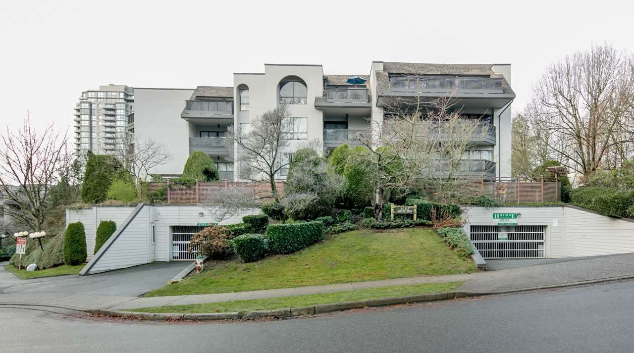 "Main Photo: 320 1945 WOODWAY Place in Burnaby: Brentwood Park Condo for sale in ""HILLSIDE TERRACE"" (Burnaby North)  : MLS®# R2241990"
