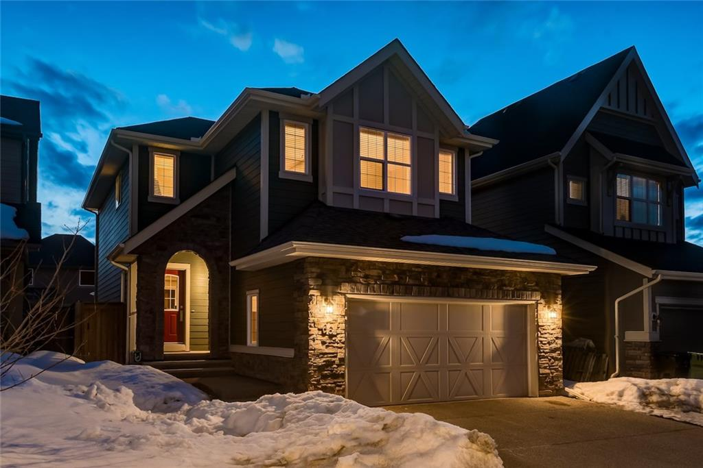 Main Photo: 66 VALLEY POINTE Bay NW in Calgary: Valley Ridge House for sale : MLS®# C4174746