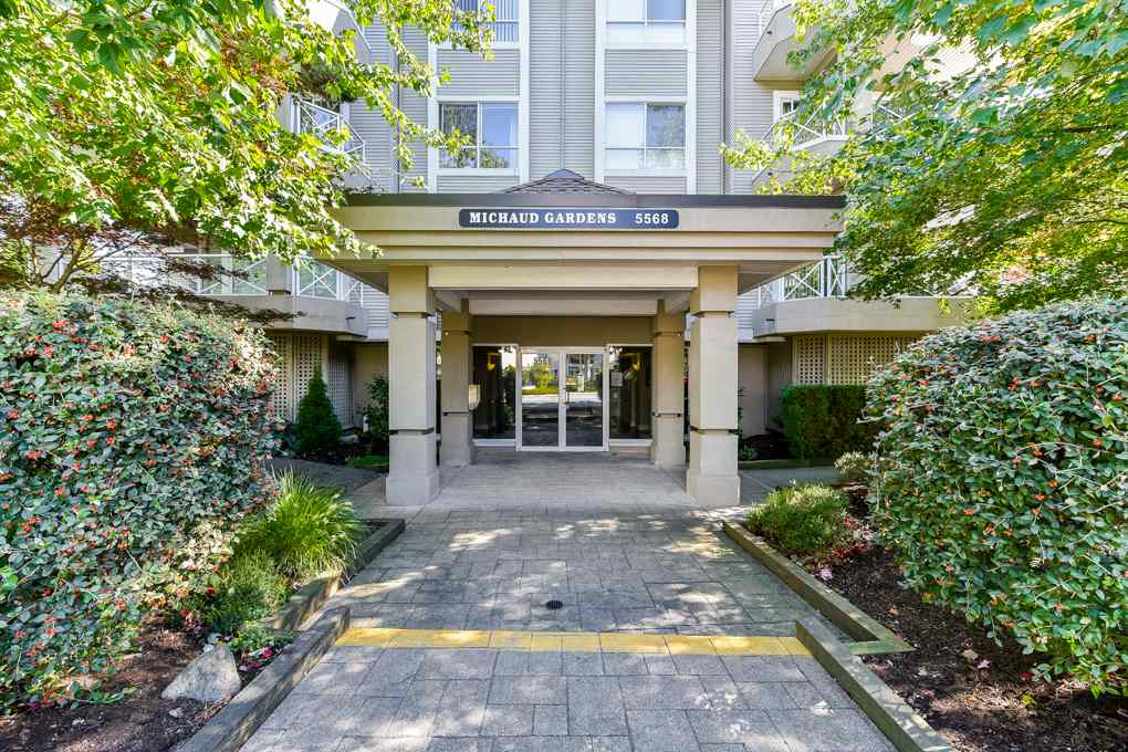 "Main Photo: 303 5568 201A Street in Langley: Langley City Condo for sale in ""MICHAUD GARDENS"" : MLS®# R2313917"