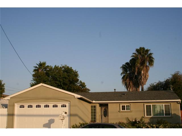 Main Photo: CLAIREMONT House for sale : 4 bedrooms : 7019 Beagle in San Diego