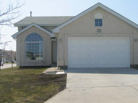 Main Photo: 239 Eaglemere Dr.: Residential for sale (Eaglemere)  : MLS® # 2806813