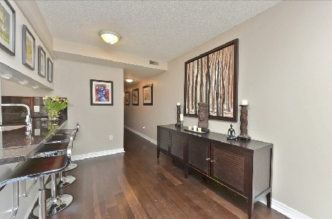 Photo 5: Leaside Townhouse