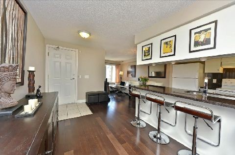 Photo 7: Leaside Townhouse