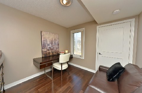 Photo 4: Leaside Townhouse