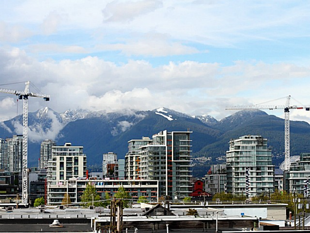"Main Photo: 304 138 W 6TH Avenue in Vancouver: Mount Pleasant VW Condo for sale in ""Centro Lofts"" (Vancouver West)  : MLS® # V1071816"