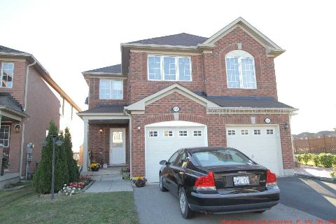 Main Photo: 62 Magnificent Court in Brampton: Vales of Castlemore House (2-Storey) for sale : MLS(r) # W3033021