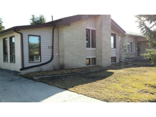 Main Photo: 111 Ranchgrove Bay in WINNIPEG: Transcona Residential for sale (North East Winnipeg)  : MLS(r) # 1503721