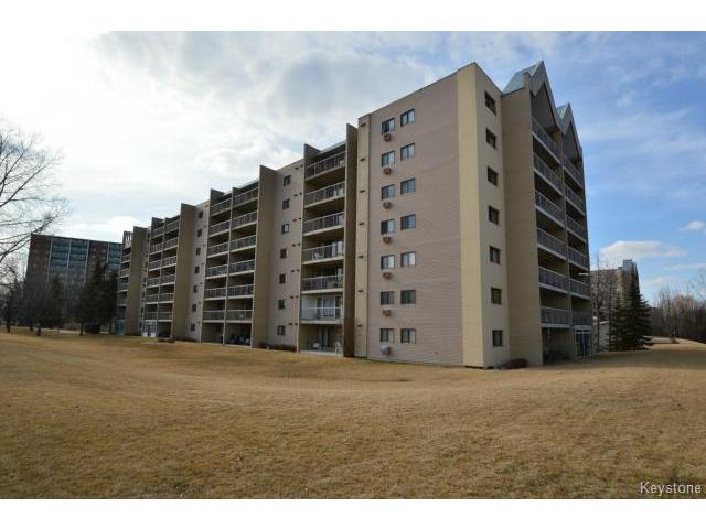 Main Photo: 80 Plaza Drive in WINNIPEG: Fort Garry / Whyte Ridge / St Norbert Condominium for sale (South Winnipeg)  : MLS(r) # 1507686