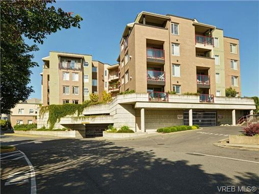 Main Photo: 113 29 Songhees Road in VICTORIA: VW Songhees Condo Apartment for sale (Victoria West)  : MLS® # 353418