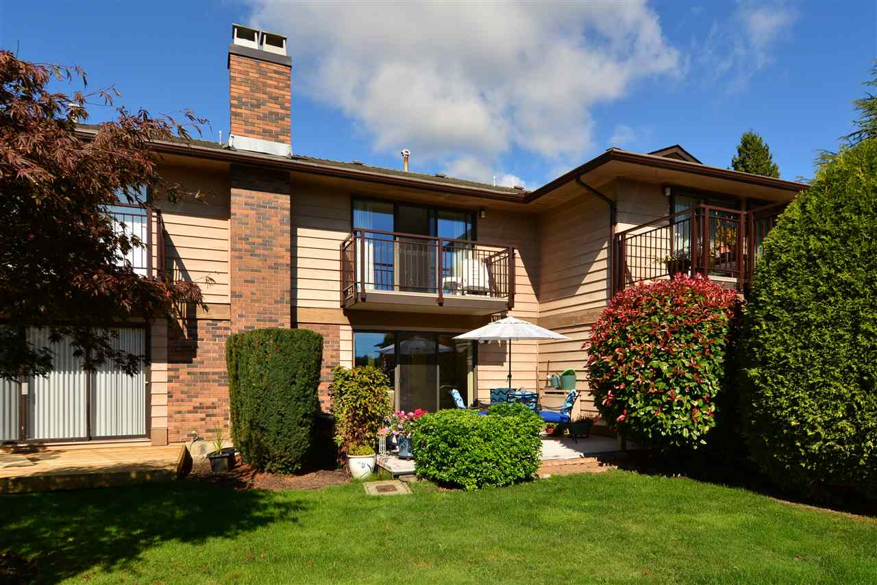 "Main Photo: 1426 NICHOL Road: White Rock Townhouse for sale in ""Ocean Ridge"" (South Surrey White Rock)  : MLS® # R2002297"