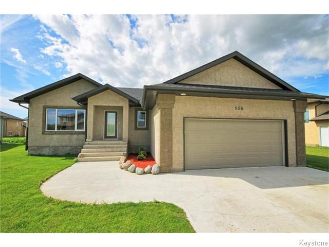 Main Photo: 558 Heloise Bay in STAGATHE: Glenlea / Ste. Agathe / St. Adolphe / Grande Pointe / Ile des Chenes / Vermette / Niverville Residential for sale (Winnipeg area)  : MLS® # 1526413