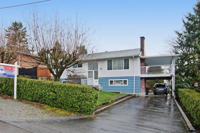 Photo 1: 2060 COLTON Avenue in Coquitlam: Central Coquitlam House for sale : MLS® # R2038334