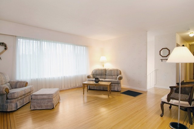 Photo 6: 2060 COLTON Avenue in Coquitlam: Central Coquitlam House for sale : MLS(r) # R2038334
