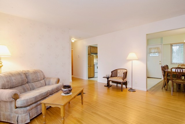 Photo 9: 2060 COLTON Avenue in Coquitlam: Central Coquitlam House for sale : MLS® # R2038334