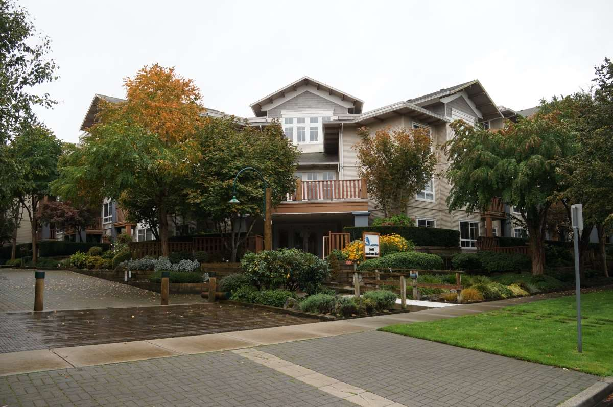 "Main Photo: 418 5600 ANDREWS Road in Richmond: Steveston South Condo for sale in ""The Lagoons"" : MLS®# R2112641"