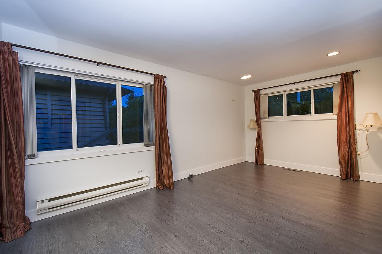 Photo 17: 875 JEFFERSON Avenue in West Vancouver: Sentinel Hill House for sale : MLS(r) # R2139814