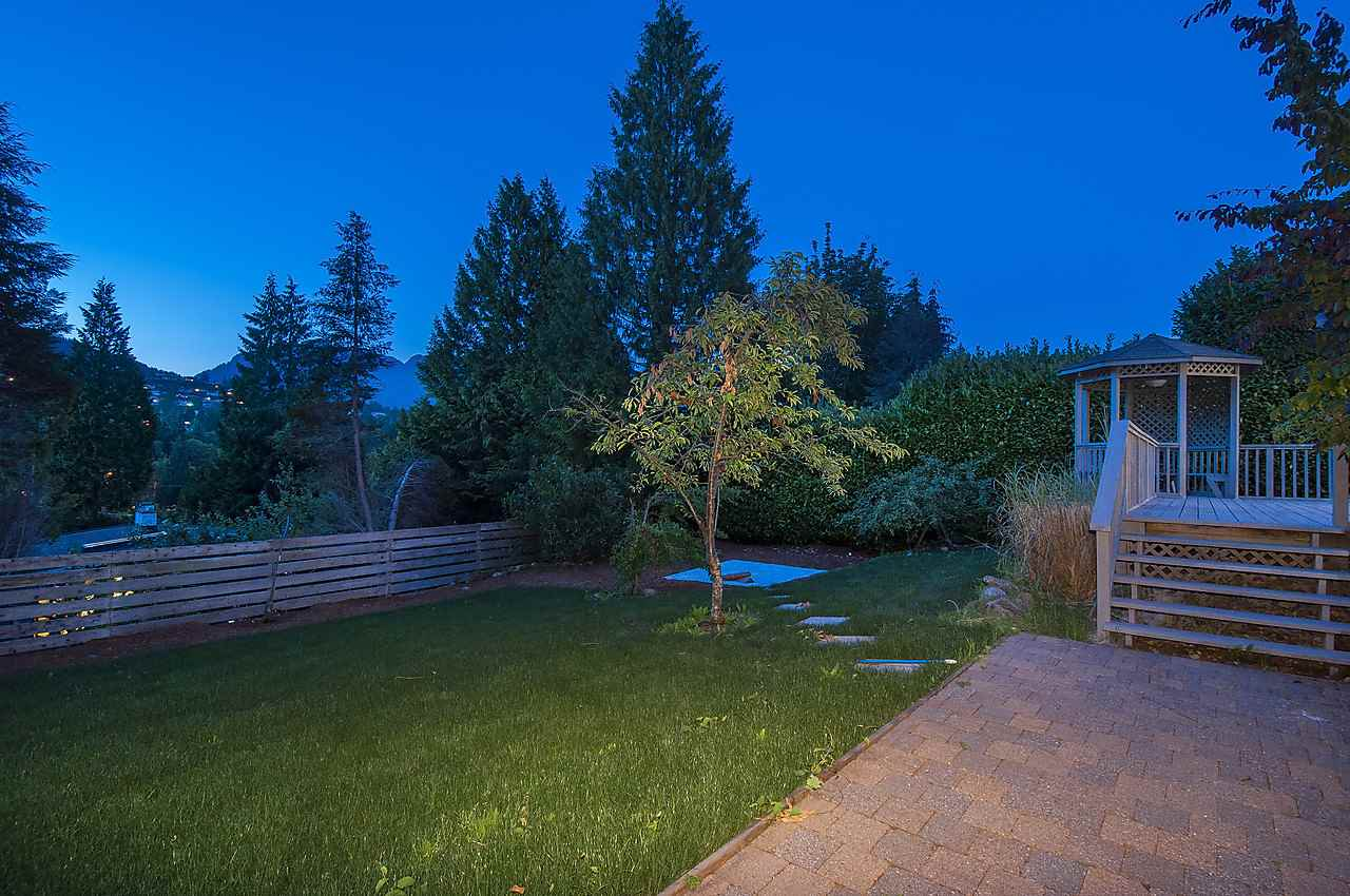 Photo 13: 875 JEFFERSON Avenue in West Vancouver: Sentinel Hill House for sale : MLS(r) # R2139814
