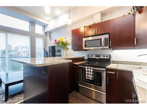 Photo 7: 302 1121 Fort Street in VICTORIA: Vi Downtown Condo Apartment for sale (Victoria)  : MLS(r) # 374436