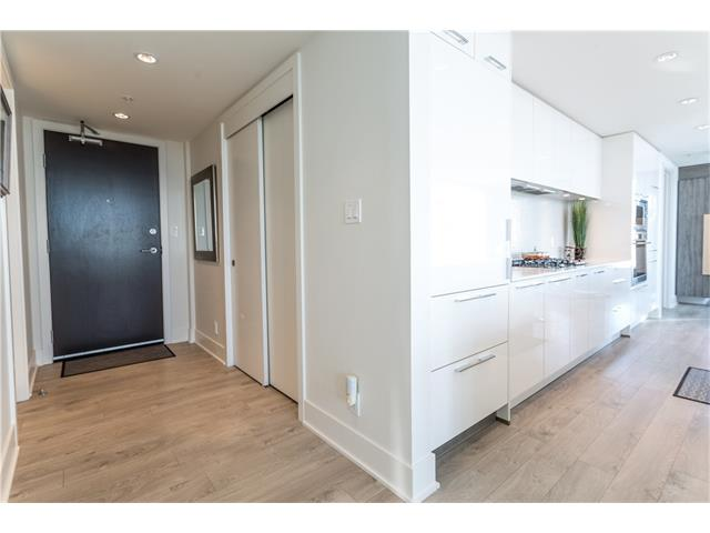 Photo 4: 3305 901 10 Avenue SW in Calgary: Beltline Condo for sale : MLS® # C4102828