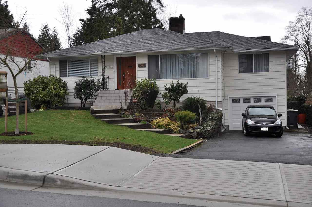 Main Photo: 610 CHAPMAN Avenue in Coquitlam: Coquitlam West House for sale : MLS® # R2149838
