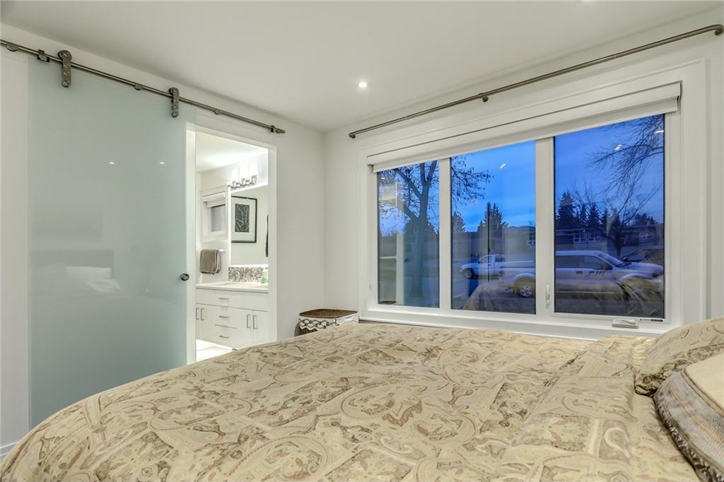 Photo 20: 2331 LINCOLN Drive SW in Calgary: North Glenmore Park House for sale : MLS® # C4109073