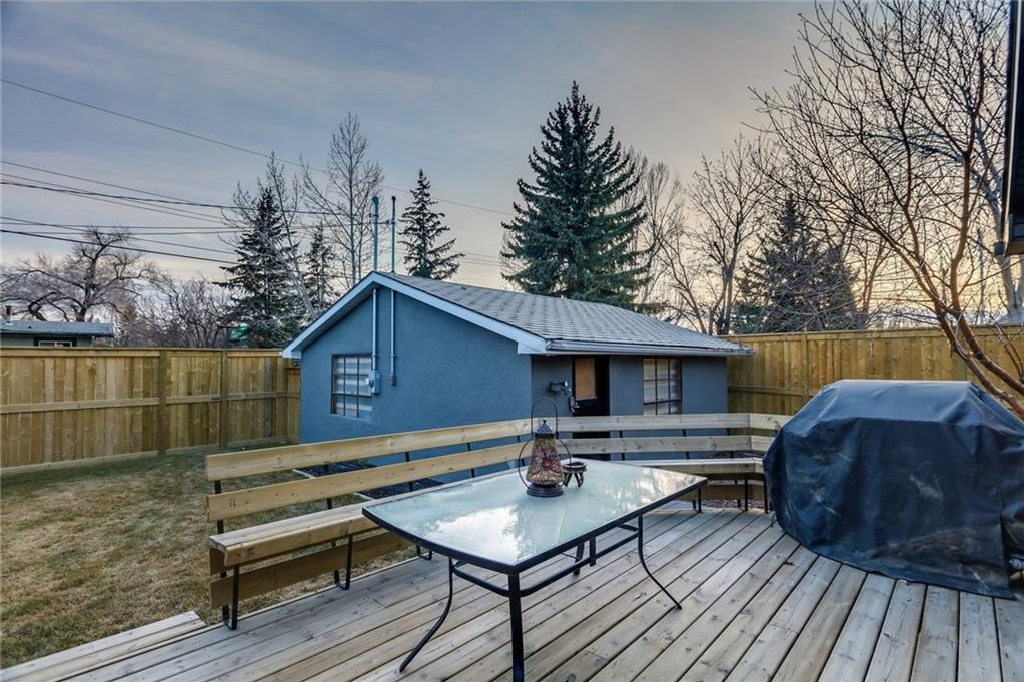 Photo 33: 2331 LINCOLN Drive SW in Calgary: North Glenmore Park House for sale : MLS® # C4109073
