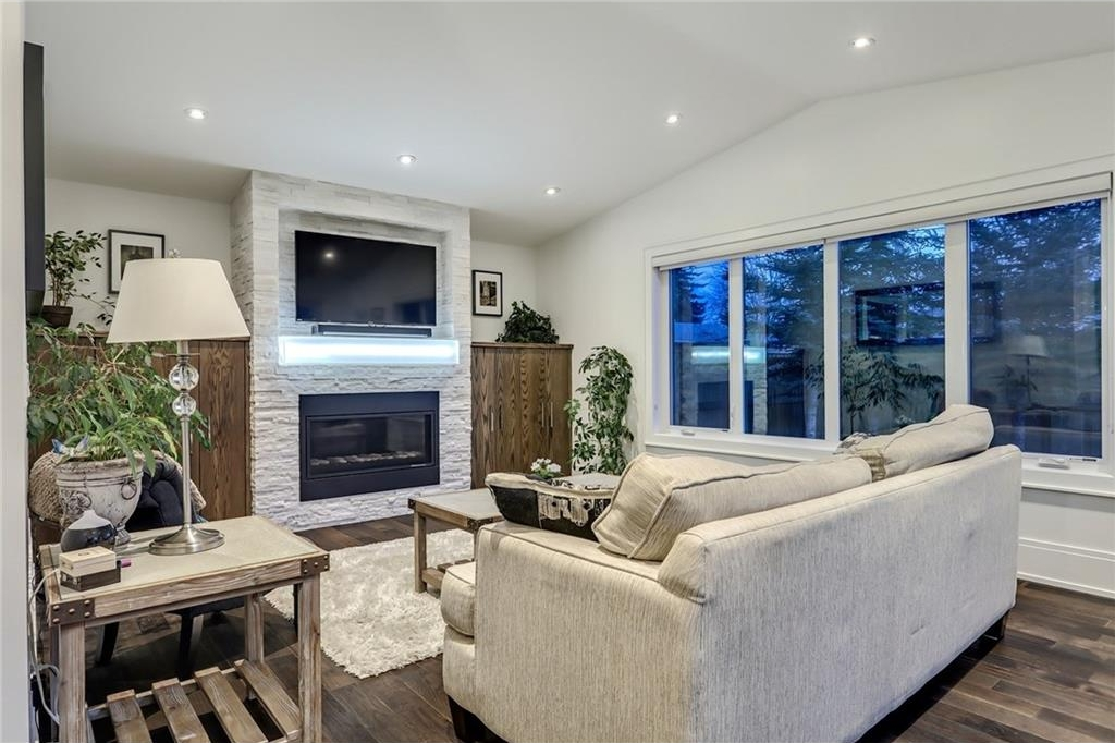 Photo 13: 2331 LINCOLN Drive SW in Calgary: North Glenmore Park House for sale : MLS® # C4109073