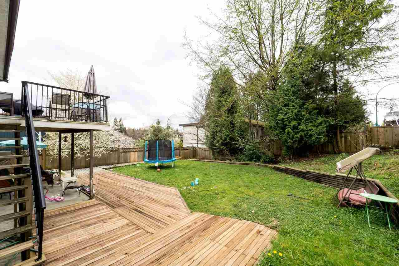 Photo 2: 2333 KIRKSTONE Road in North Vancouver: Westlynn House for sale : MLS(r) # R2156375