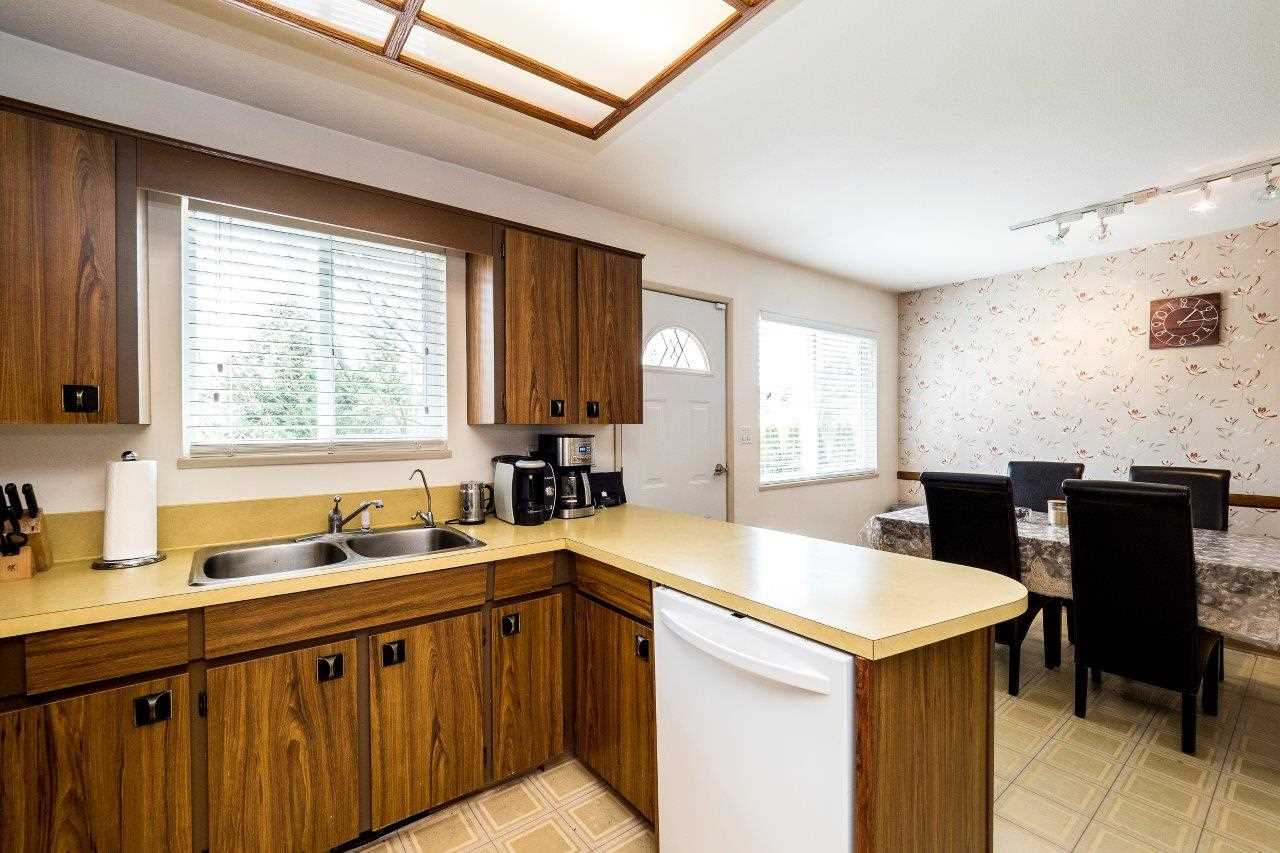 Photo 13: 2333 KIRKSTONE Road in North Vancouver: Westlynn House for sale : MLS(r) # R2156375